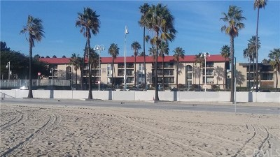 Long Beach Condo/Townhouse For Sale: 3939 E Allin Street #101
