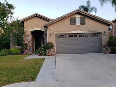 Highland Single Family Home Active Under Contract: 30215 Tenaya Lane