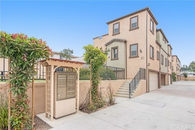 La Habra Condo/Townhouse For Sale: 304 S Monte Vista Street #B
