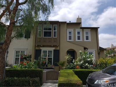 Anaheim Condo/Townhouse For Sale: 121 S Heartwood Way