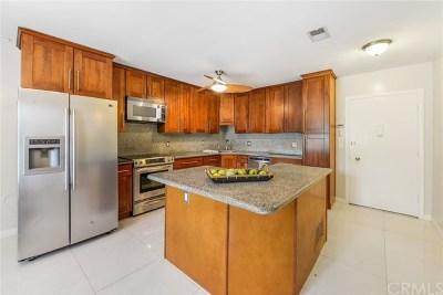 Condo/Townhouse For Sale: 1621 S Pomona Avenue #D22