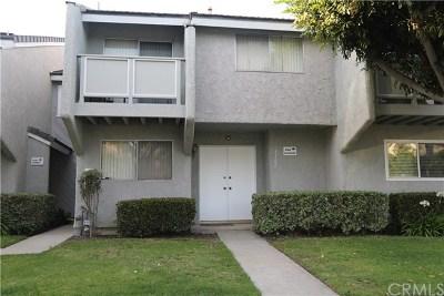Huntington Beach Condo/Townhouse For Sale: 8162 Silkwood Circle #37
