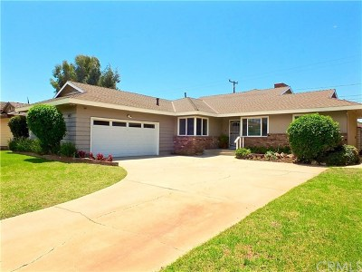 Lakewood Single Family Home For Sale: 4229 Clubhouse Drive