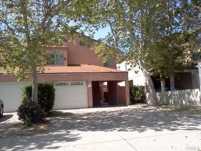 Lake Elsinore Condo/Townhouse For Sale: 16485 Joy Street