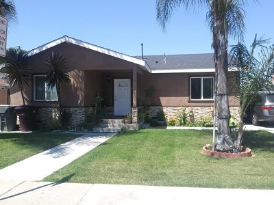 Santa Ana Multi Family Home For Sale: 125 E Flora Street