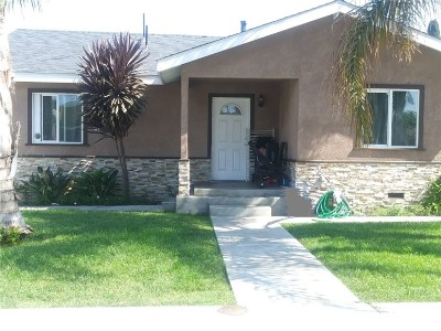 Santa Ana Multi Family Home For Sale: 127 E Flora Street