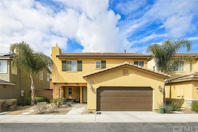 Lake Elsinore Condo/Townhouse For Sale: 34189 Renton Drive