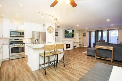 Santa Ana Condo/Townhouse For Sale: 3611 S Bear Street #D