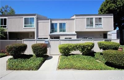 Santa Ana CA Condo/Townhouse For Sale: $454,000