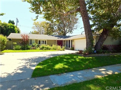 Los Alamitos Single Family Home For Sale: 11336 Wembley Road