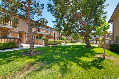 Huntington Beach Condo/Townhouse For Sale: 16784 Algonquin Street #57