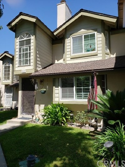 Cypress Condo/Townhouse For Sale: 5460 Brittany Way #4