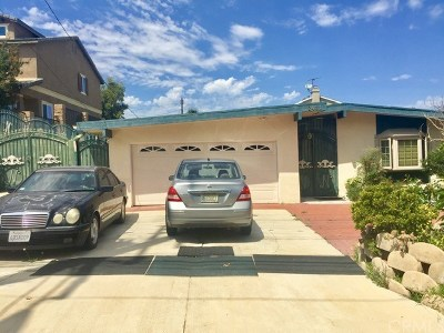 Single Family Home For Sale: 2431 Santa Ana Avenue