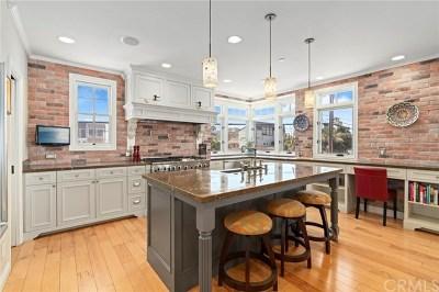 Long Beach Single Family Home For Sale: 6711 E Ocean Boulevard