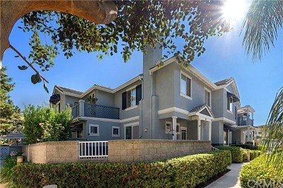 Aliso Viejo Condo/Townhouse For Sale: 37 Breakers Lane #28