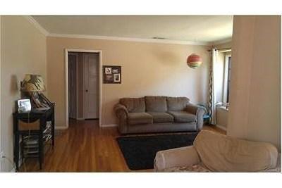 Lakewood Single Family Home For Sale: 5809 Hazelbrook