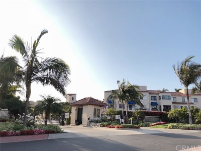 Huntington Beach Condo/Townhouse For Sale: 3231 Francois Dr #73