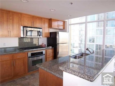Long Beach Condo/Townhouse For Sale: 411 W Seaside Way #1001