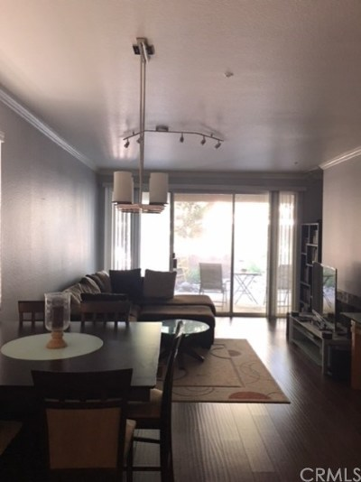 Santa Ana Condo/Townhouse For Sale: 3680 S Bear Street #C