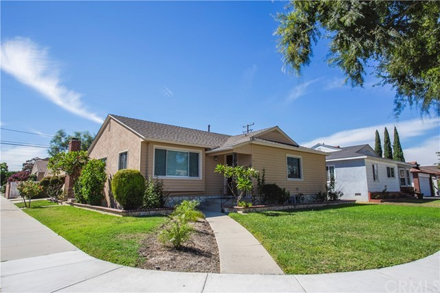 3 bed / 2 baths Home in Long Beach for $699,000