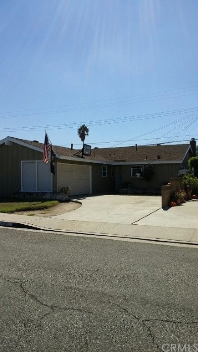 Lakewood Single Family Home For Sale: 6634 Bigelow Street