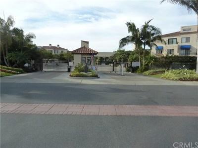 Huntington Beach Condo/Townhouse For Sale: 3231 Francois Drive #73