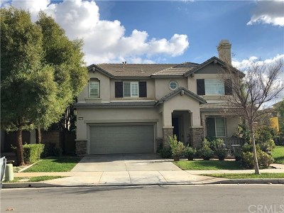 Lake Elsinore Single Family Home For Sale: 34279 Chaparossa Drive