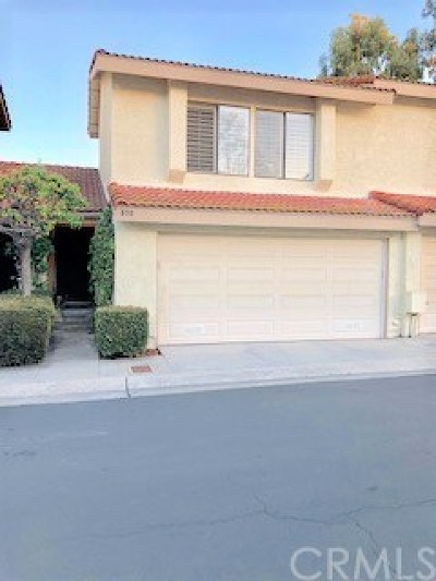 Fullerton Condo/Townhouse For Sale: 838 Whitewater Drive #13