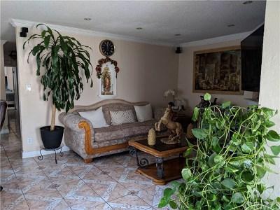 Long Beach Single Family Home For Sale: 2330 W Arlington Street