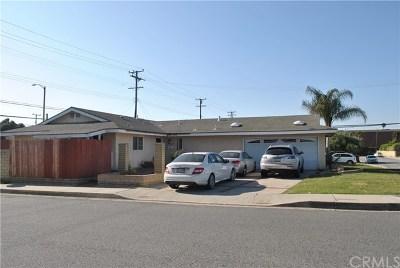 Lakewood Single Family Home For Sale: 5429 Hackett Avenue