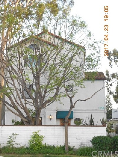 Los Angeles County Condo/Townhouse For Sale: 1956 Plaza Del Amo #A