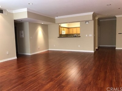 Los Angeles Condo/Townhouse For Sale: 602 S Wilton Place #203