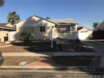 Hawthorne Single Family Home Active Under Contract: 14902 Kornblum Avenue
