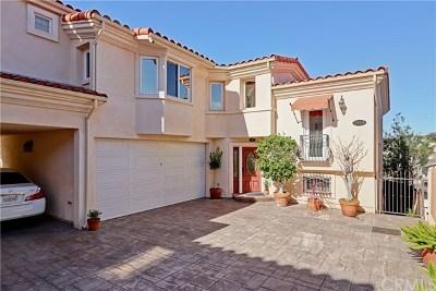 Redondo Beach Condo/Townhouse For Sale: 1915 Harriman Lane #B