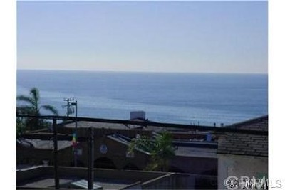 Manhattan Beach Single Family Home Active Under Contract: 220 11th Street