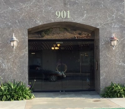 Los Angeles County Condo/Townhouse For Sale: 901 Deep Valley Drive #309