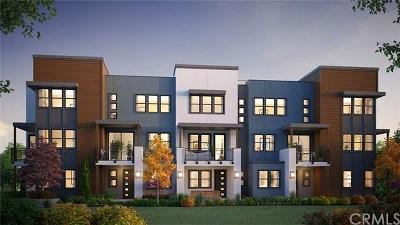 Gardena Condo/Townhouse For Sale: 14333 Van Ness Avenue