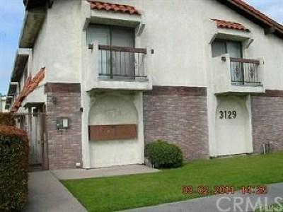 Gardena Condo/Townhouse For Sale: 3129 Marine Avenue #2