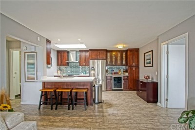 Hermosa Beach Condo/Townhouse For Sale: 77 15th #12