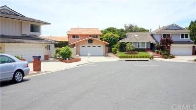 Single Family Home For Sale: 5832 Sunmist Drive