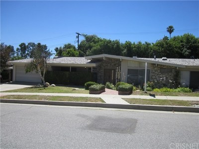 Woodland Hills CA Single Family Home For Sale: $820,000
