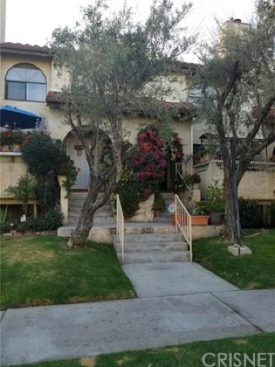 Panorama City Condo/Townhouse For Sale: 14325 Terra Bella Street #E