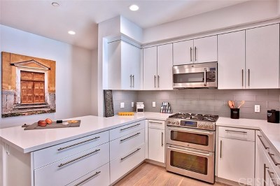 Studio City Condo/Townhouse For Sale: 4240 Laurel Canyon Boulevard #406