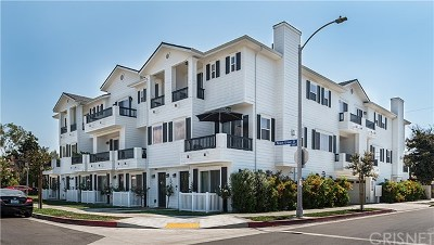 North Hollywood Condo/Townhouse For Sale: 4840 Cleon Avenue #108