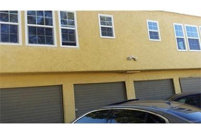 Los Angeles Multi Family Home For Sale: 250 E 81st Street