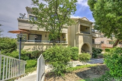 Canyon Country Condo/Townhouse For Sale: 18145 Erik Court #223