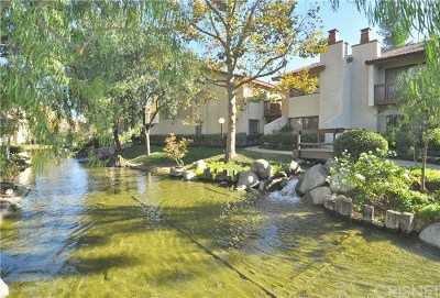 Woodland Hills Condo/Townhouse For Sale: 21555 Burbank Boulevard #74