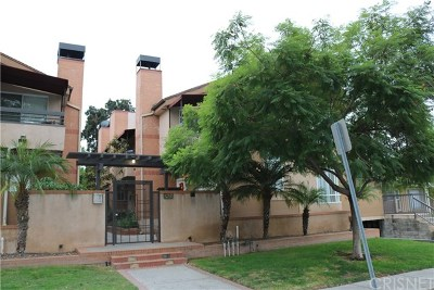 Glendale Condo/Townhouse Active Under Contract: 432 W Lexington Drive #3