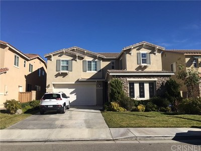 Canyon Country Single Family Home Active Under Contract: 26922 Flowering Oak Place