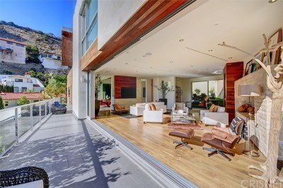 Los Angeles Single Family Home For Sale: 1700 Queens Court